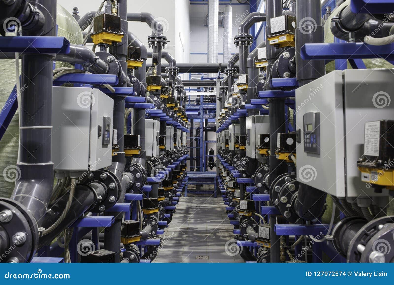 Przemysłowy automatyzujący kompleks