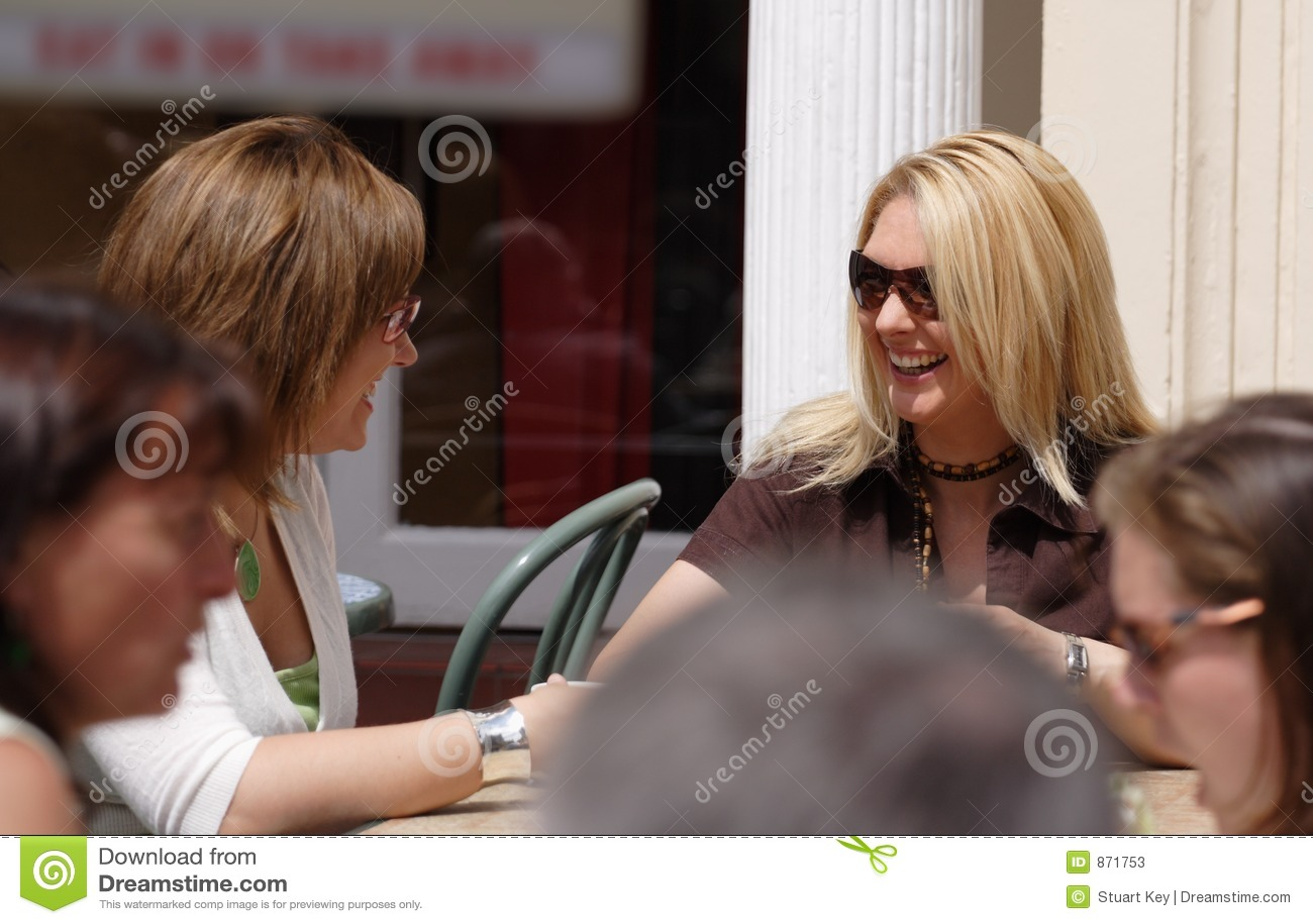 Przestań kawowi ma dwóch przyjaciół
