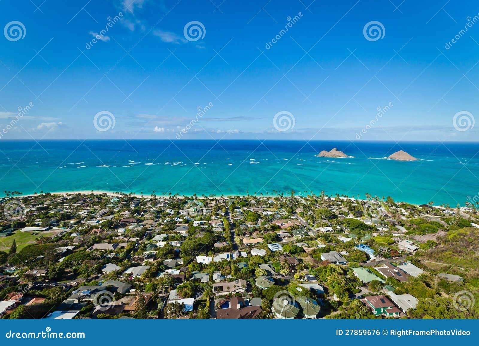 Przy oceanem dwa tropikalnej wyspy.