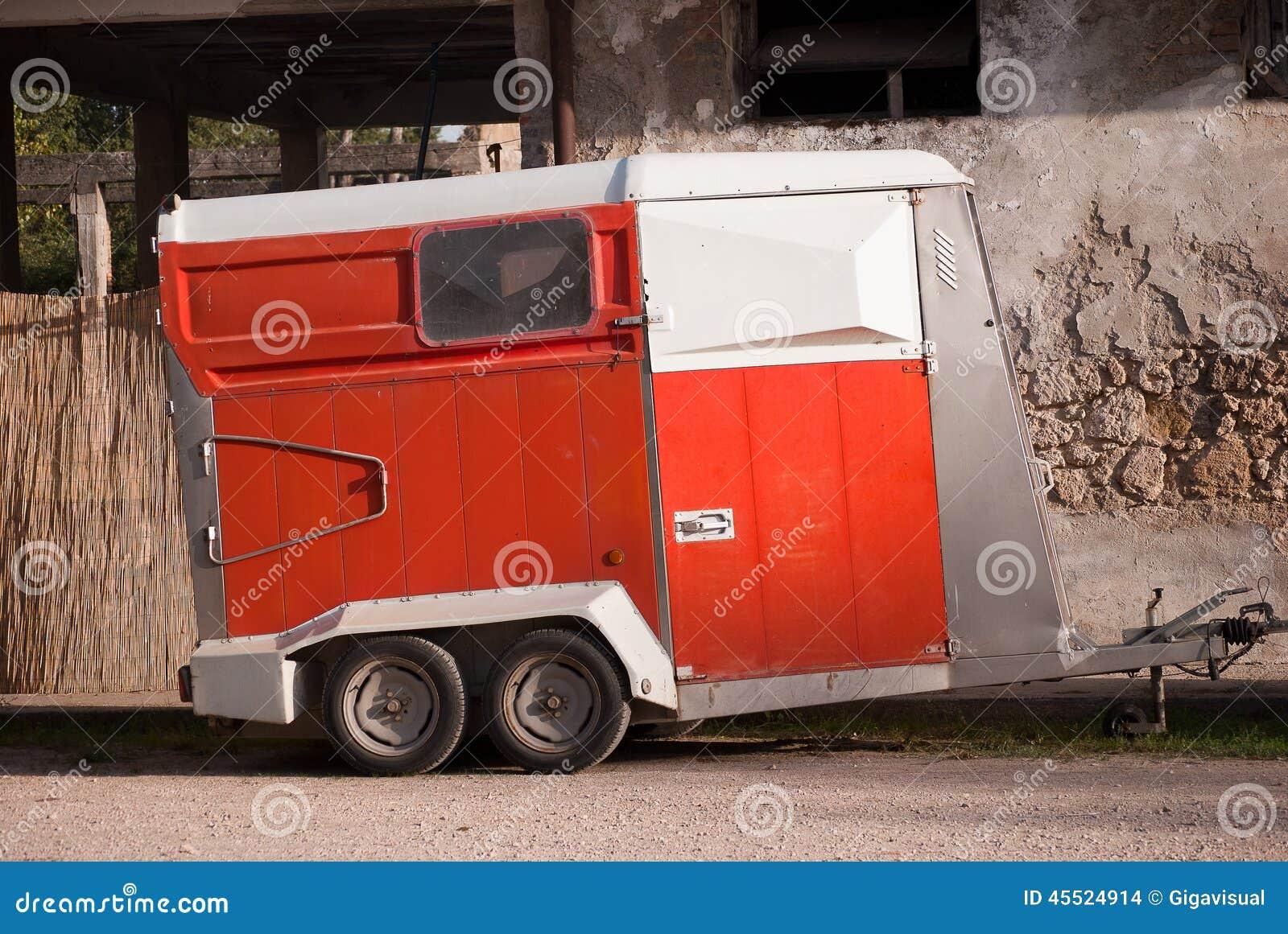 Przyczepa dla konia transportu