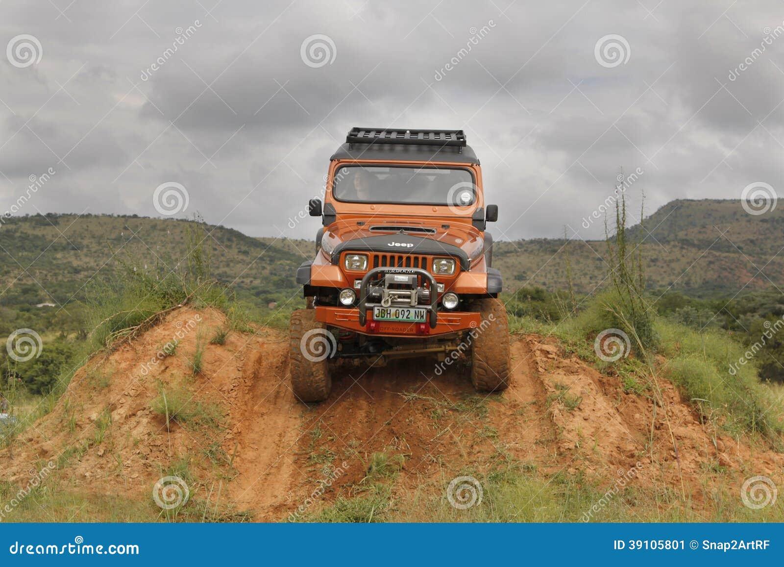 Przyduszenie dżipa Wrangler Beżowy Off-Roader V8