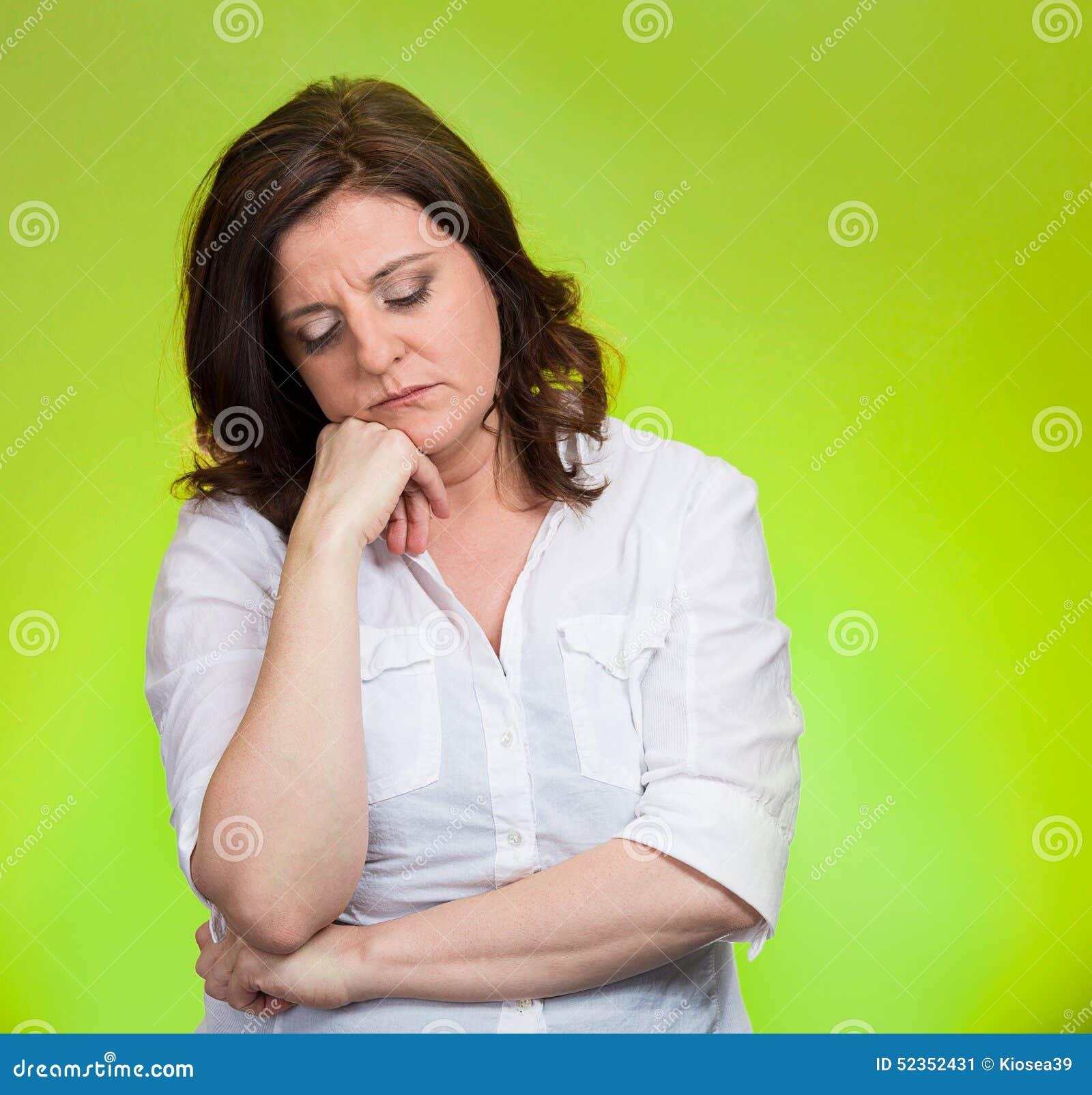 Przygnębiona, ponura kobieta,