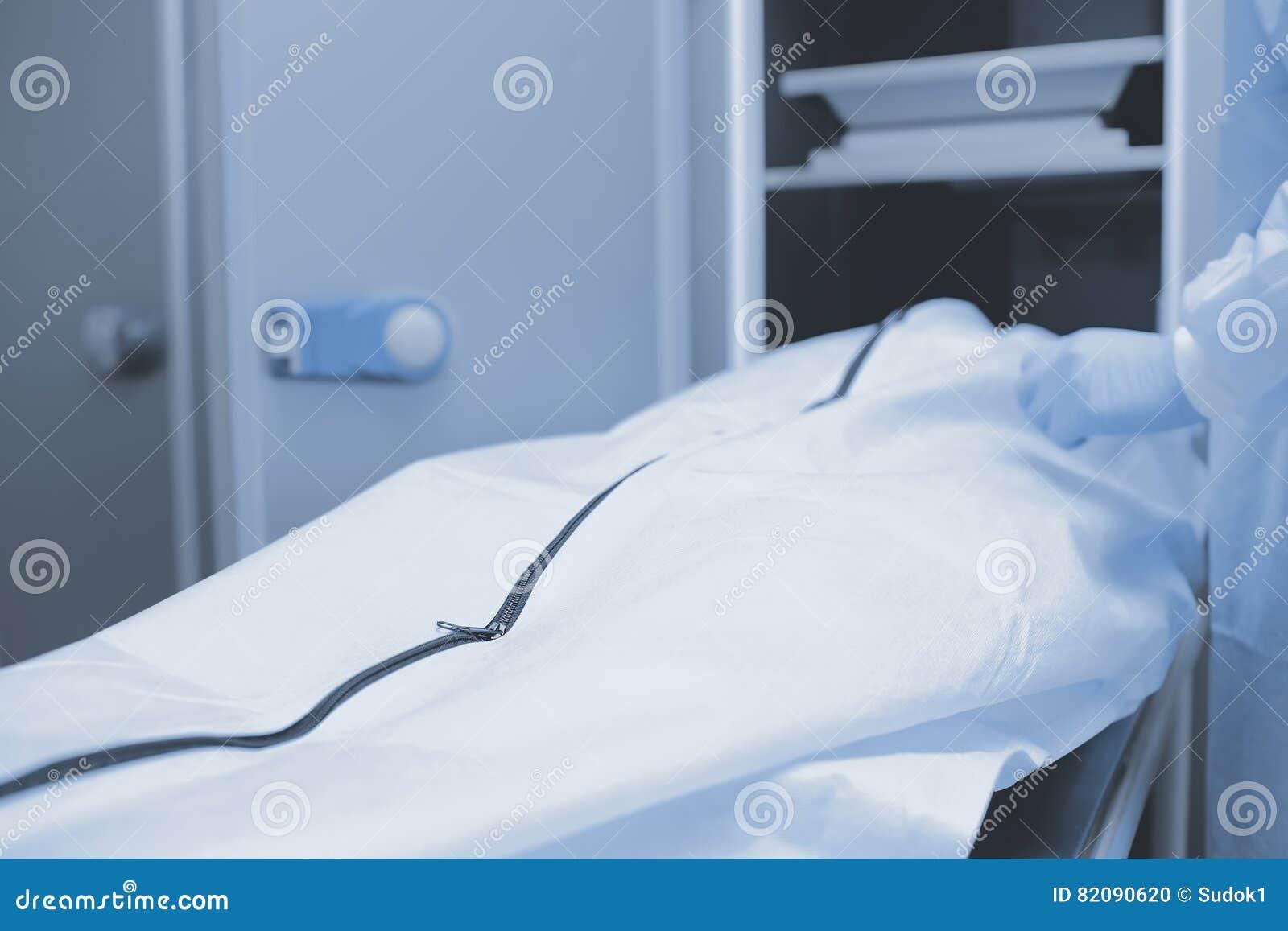 Przygotowania dla autopsji, medyczny tło