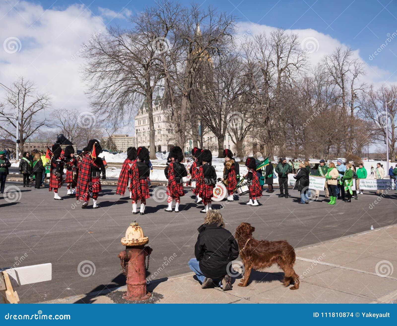 Przygotowywać dla St Patrick ` s dnia parady