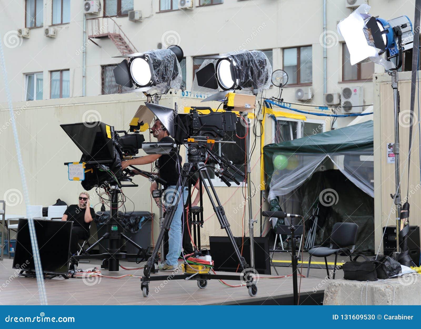 Przygotowywać transmisja dla strzelać koncert na telewizji na miasto ulicie