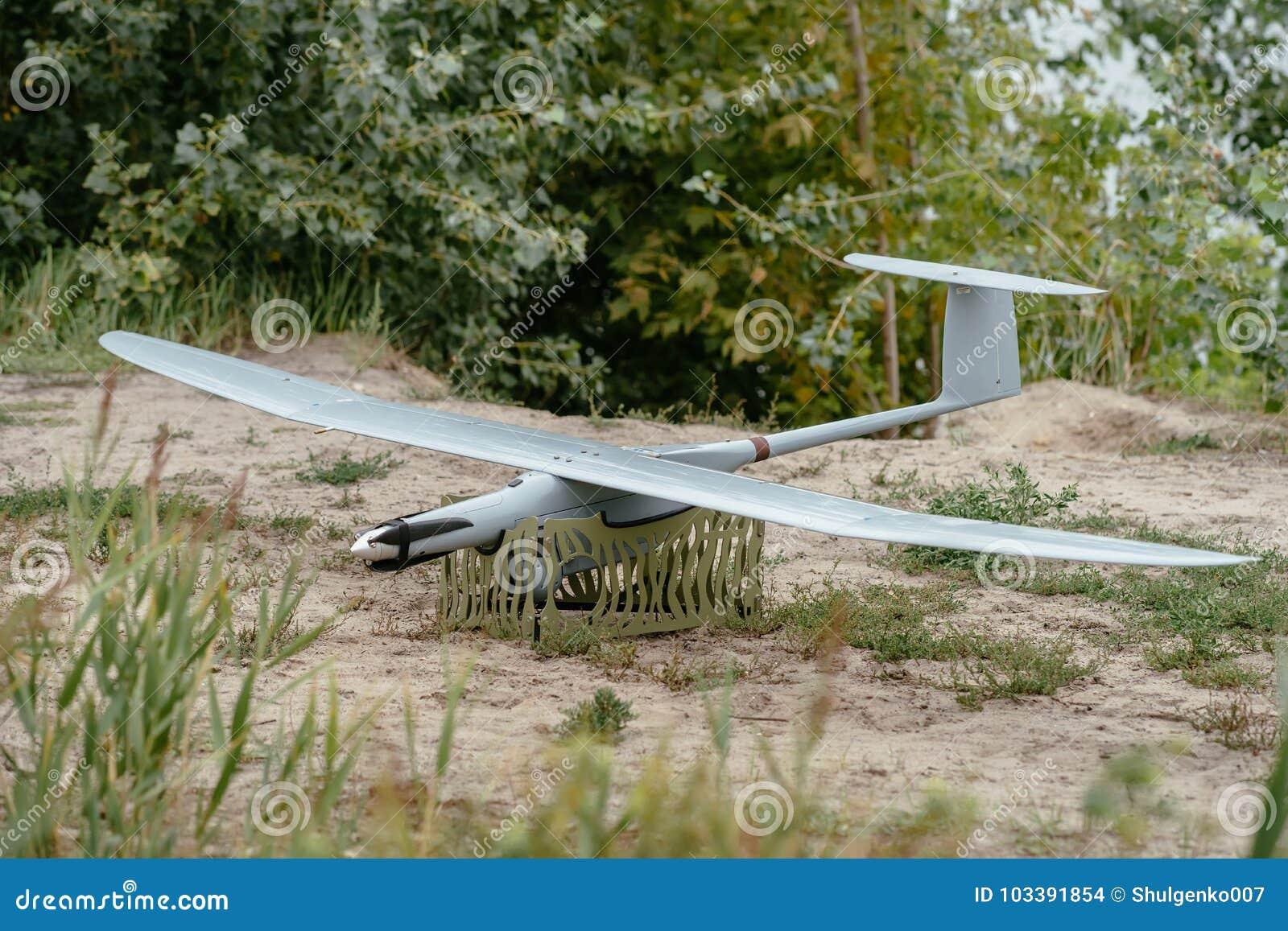 Przygotowywać wojsko trutni dla misi Wywiadowczy aircra