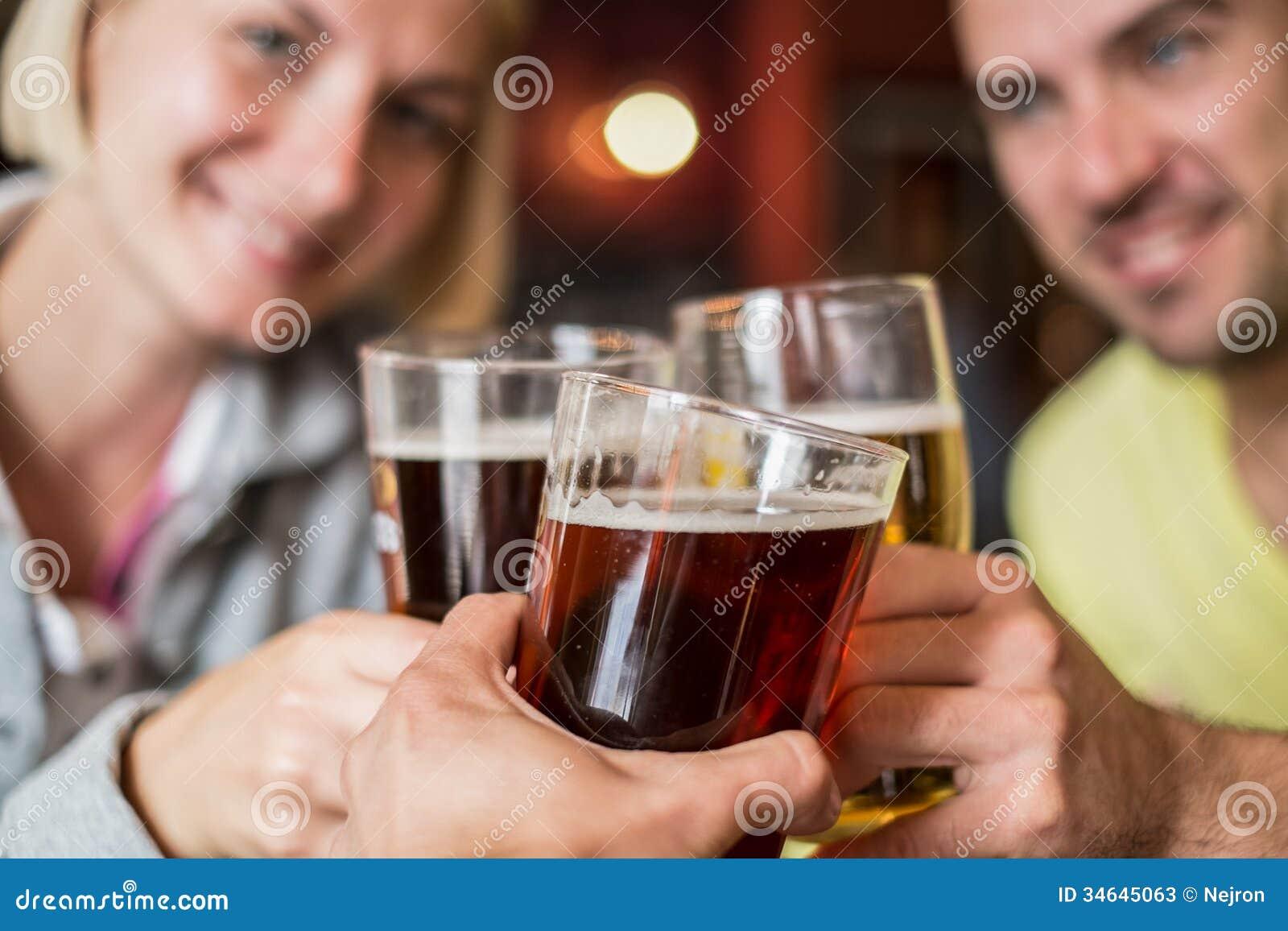 Przyjaciele z piwem