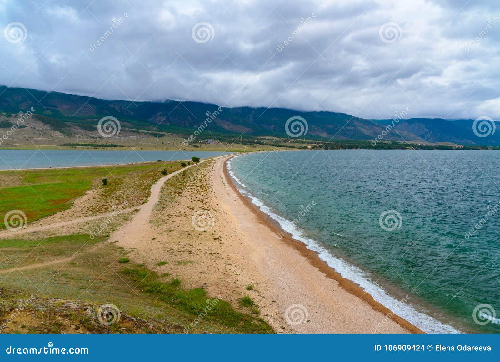 Przylądek Uyuga Maloe Bardziej na Jeziornym Baikal Rosja