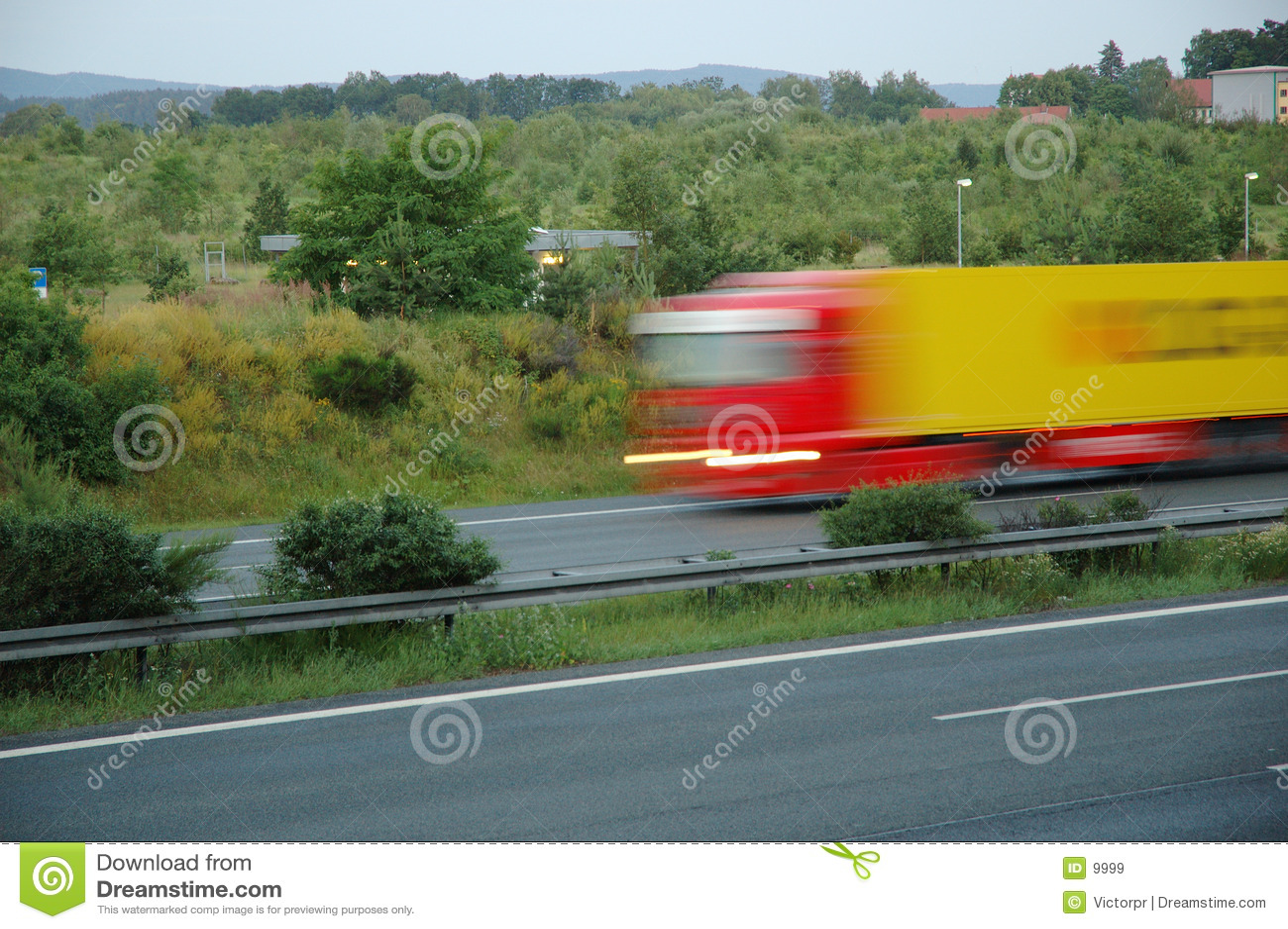 Przyspieszenie ciężarówkę.