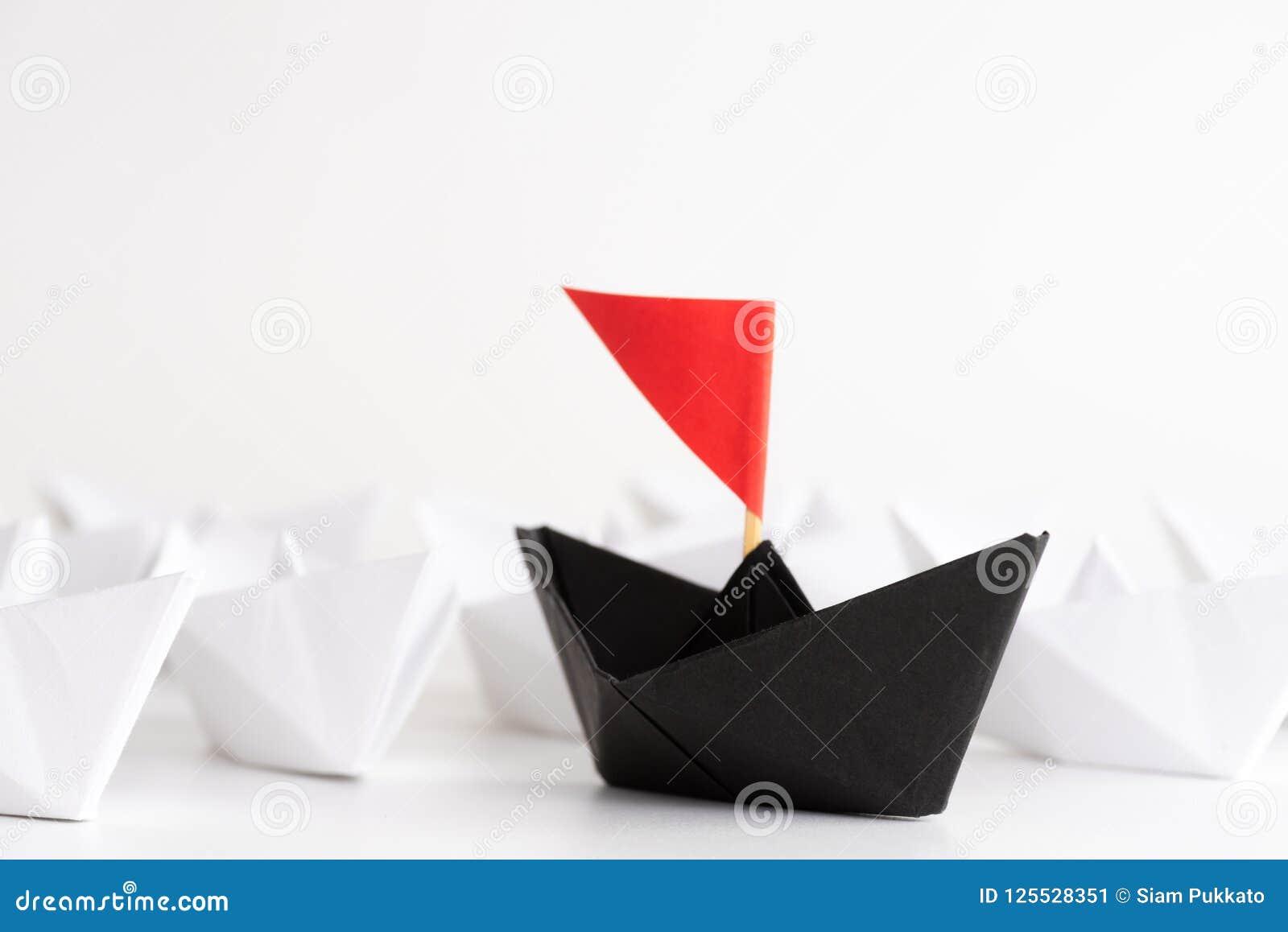 Przywódctwo pojęcie Rewolucjonistka papieru statku prowadzenie wśród bielu jeden przywódca