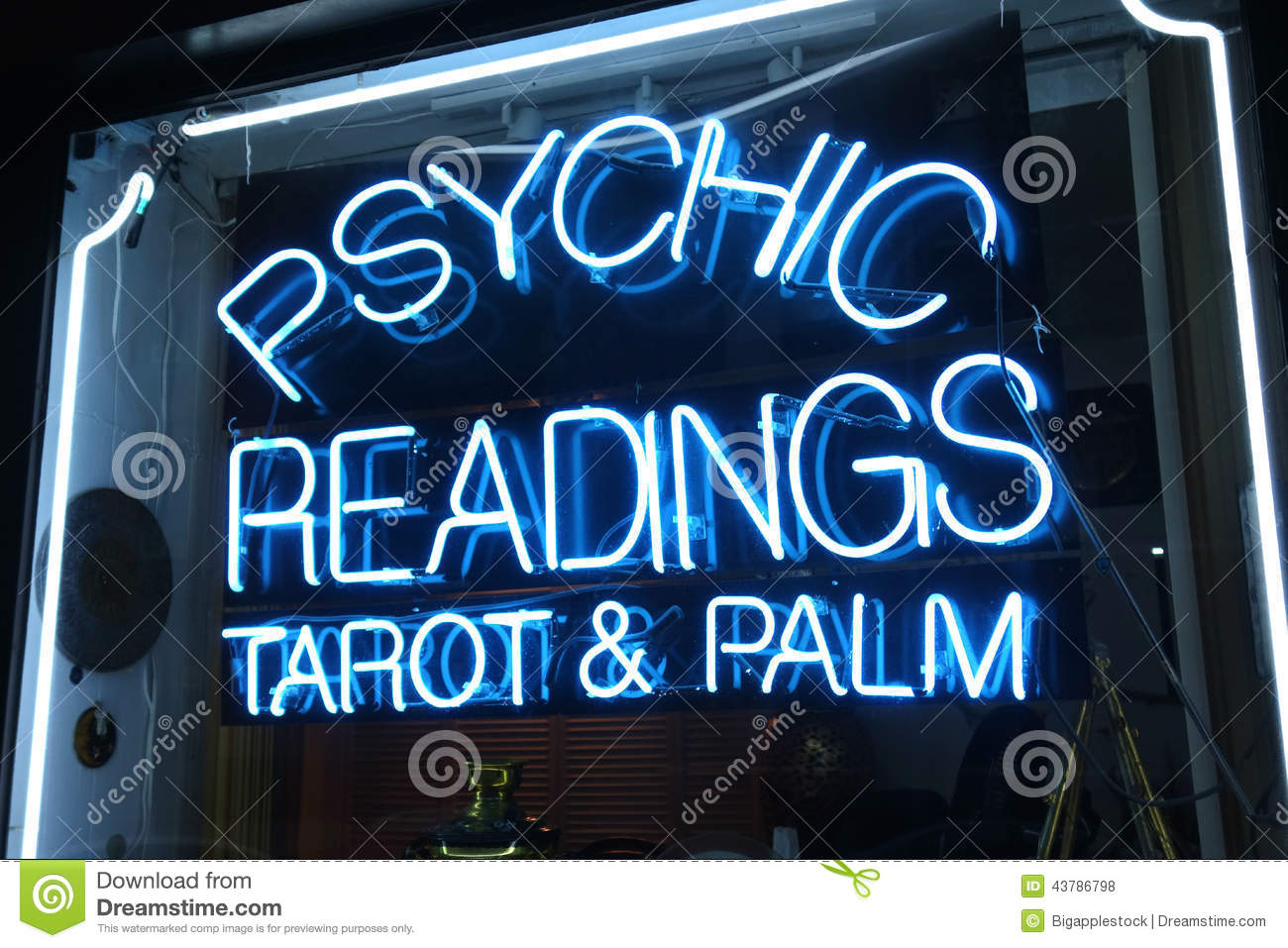 psychic-readings-neon-sign-says-tarot-pa