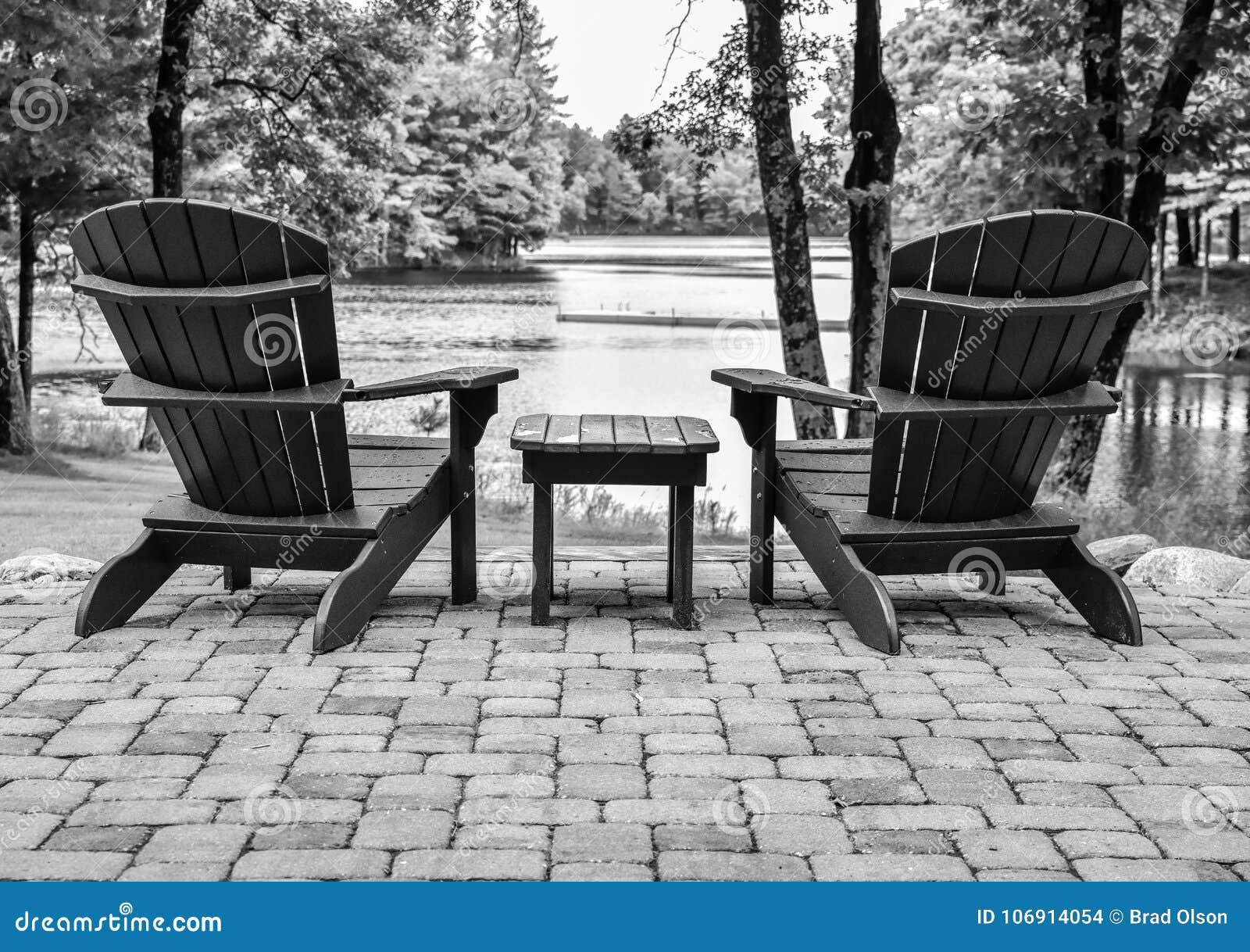 Puści plenerowi Adirondack krzesła
