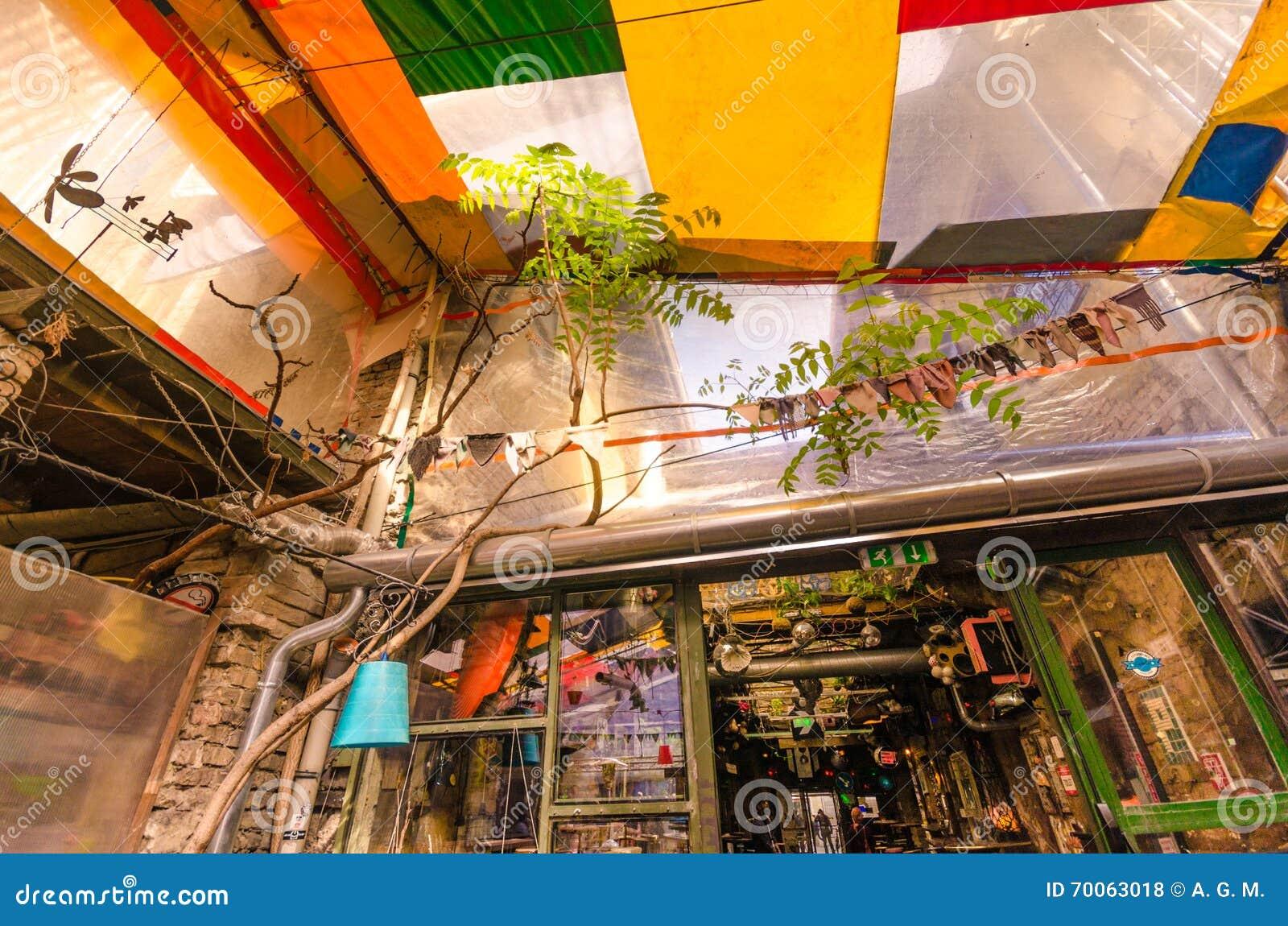 Pub agradable de los desperdicios - Budapest