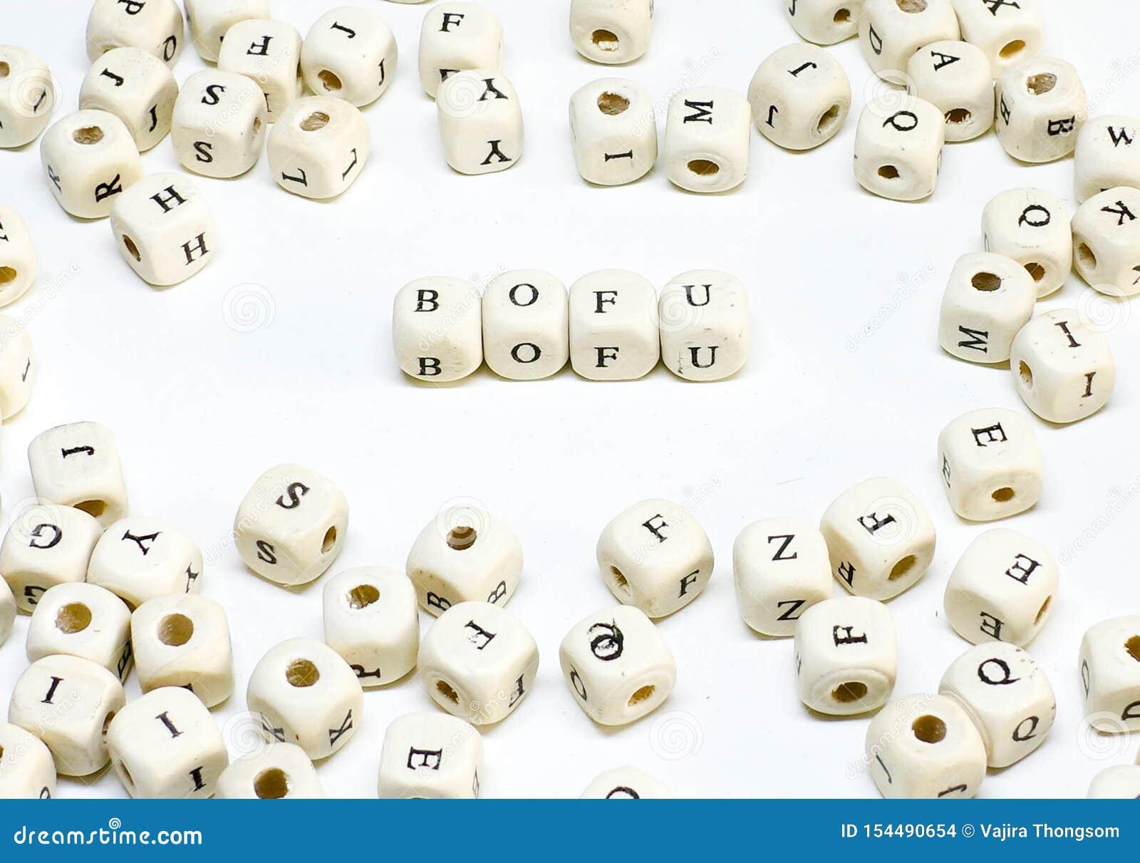 Publicidade online publicando em blogs do e-mail do comércio eletrónico e bofu de madeira social do ABC do termo de mercado dos m