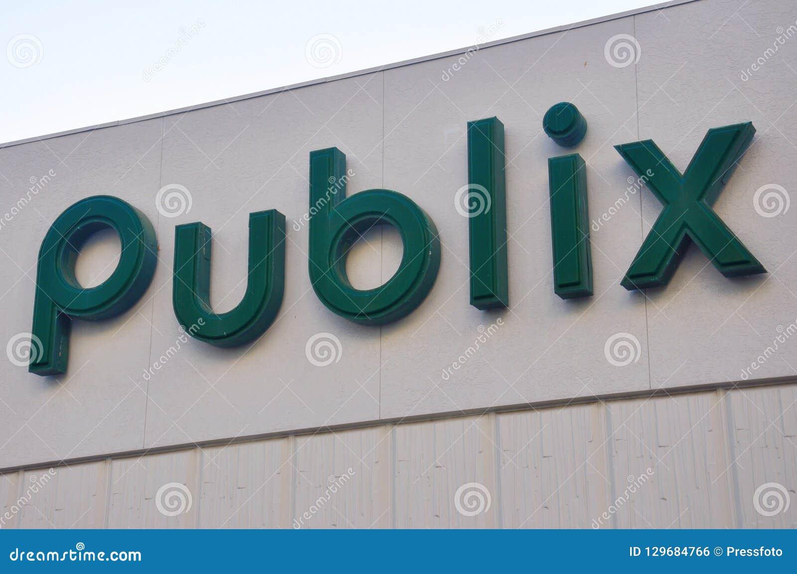 Publix supermarket in Miami, Florida, USA