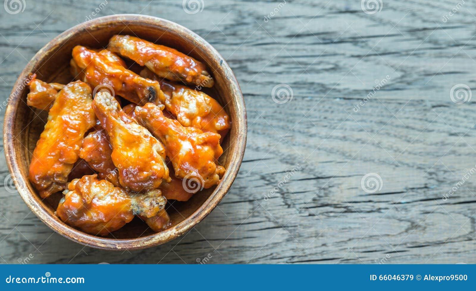 Puchar bawoli kurczaków skrzydła