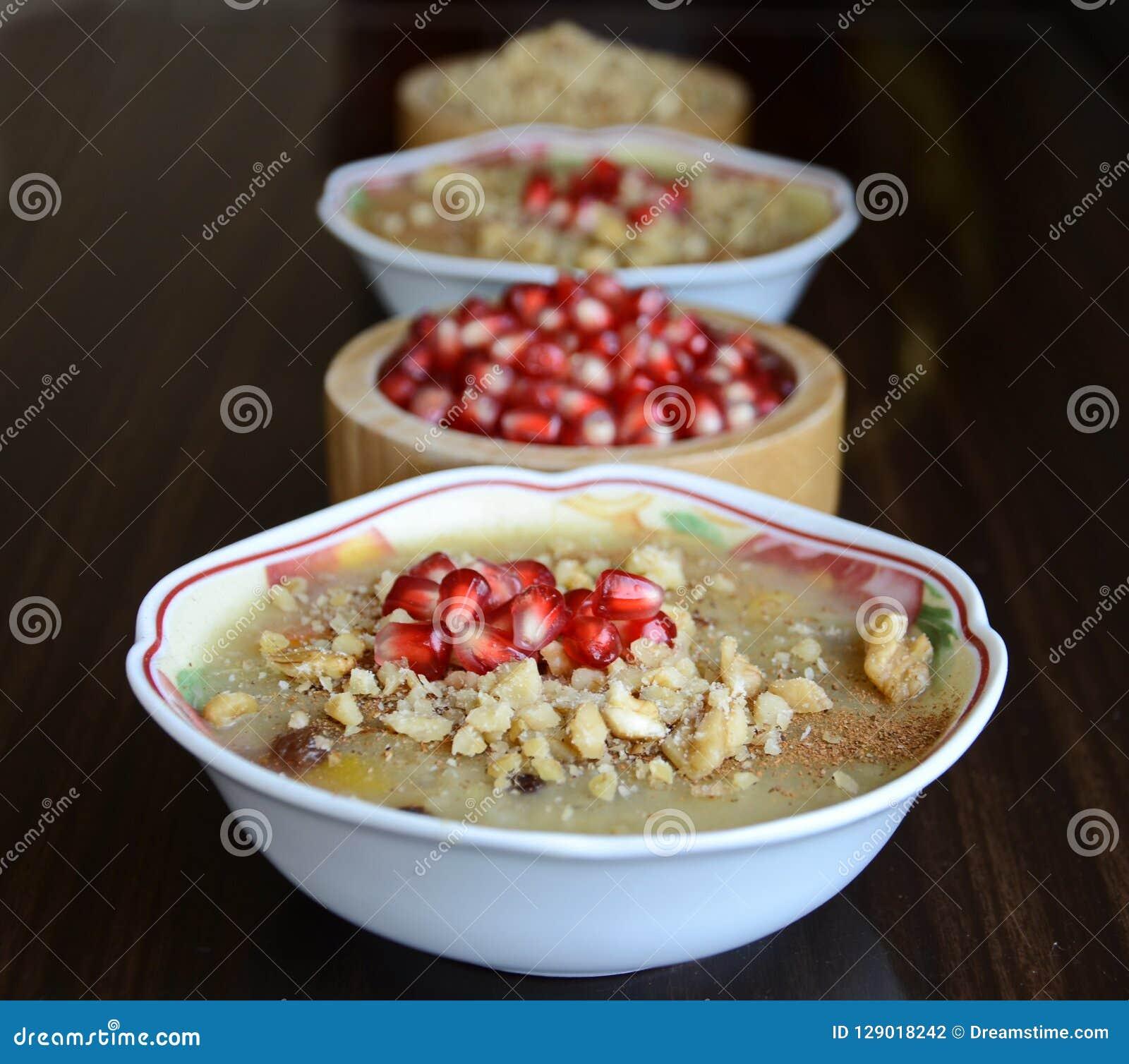 Pudding för Noah ` s är en turkisk efterrätt