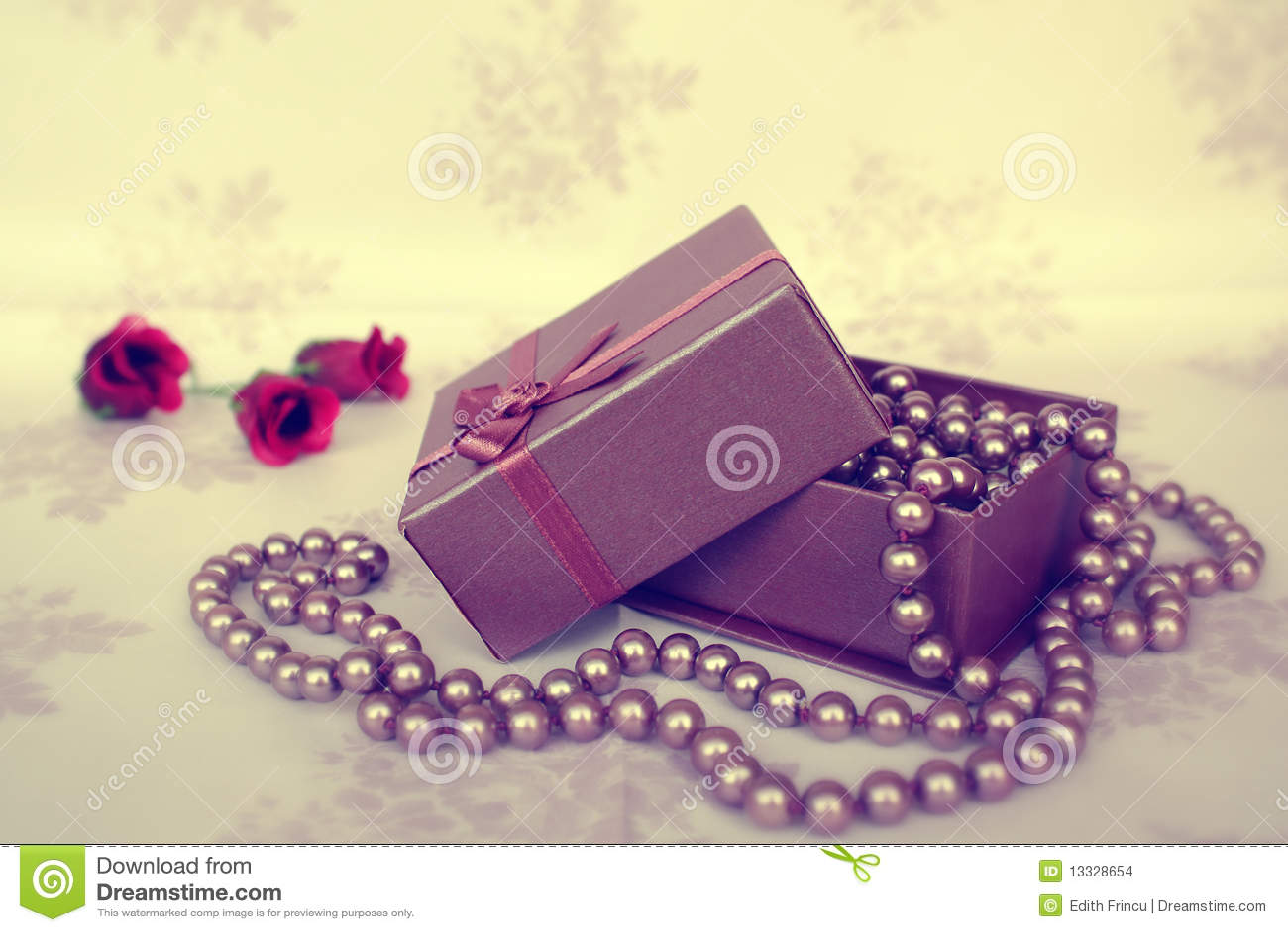 Pudełkowate biżuterii pereł menchie
