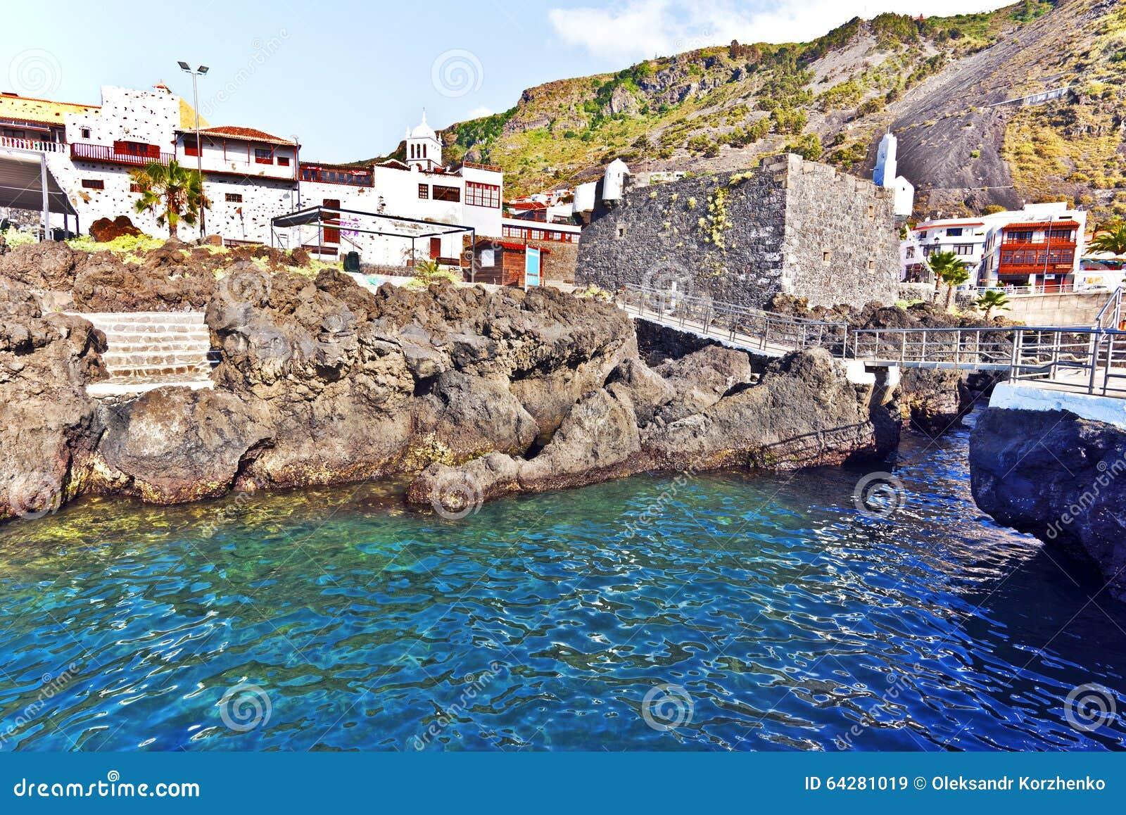Pueblo de garachico y piscinas naturales en la isla de for Piscina natural tenerife