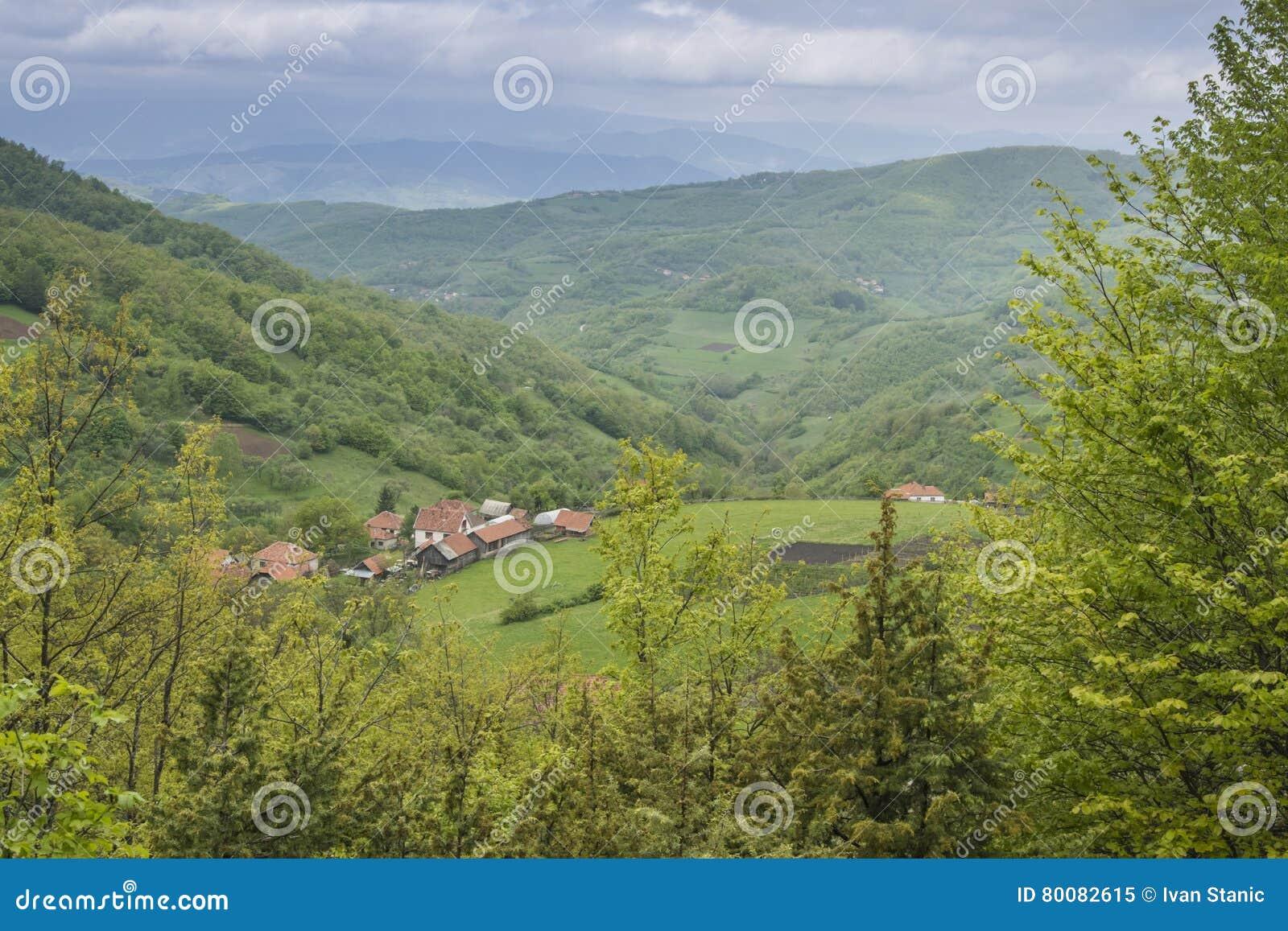Pueblo en la montaña