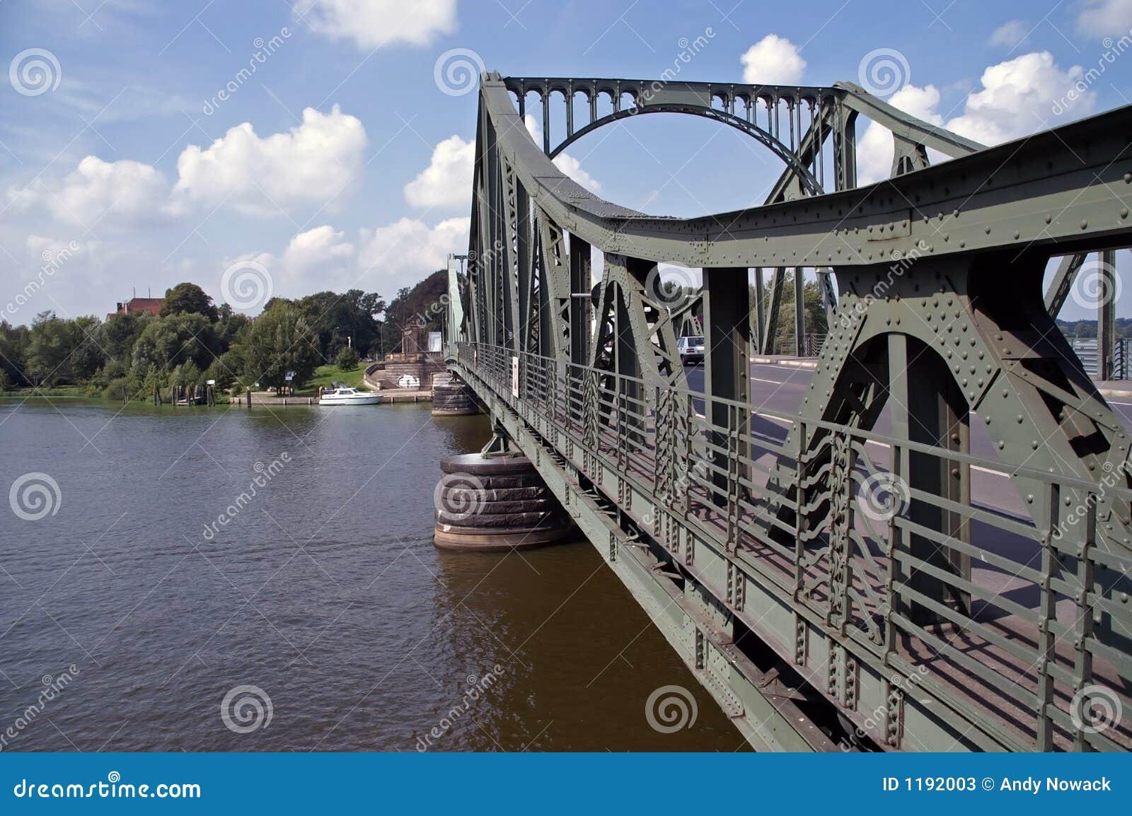 Puente 4 del glienicke