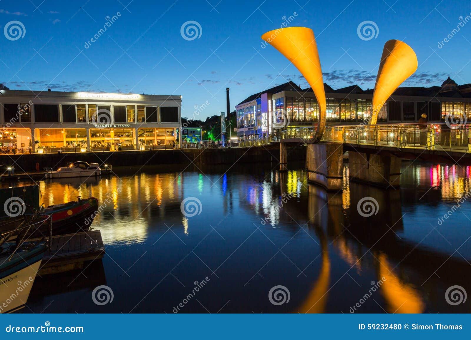Download Puente Bristol de Peros imagen editorial. Imagen de agua - 59232480
