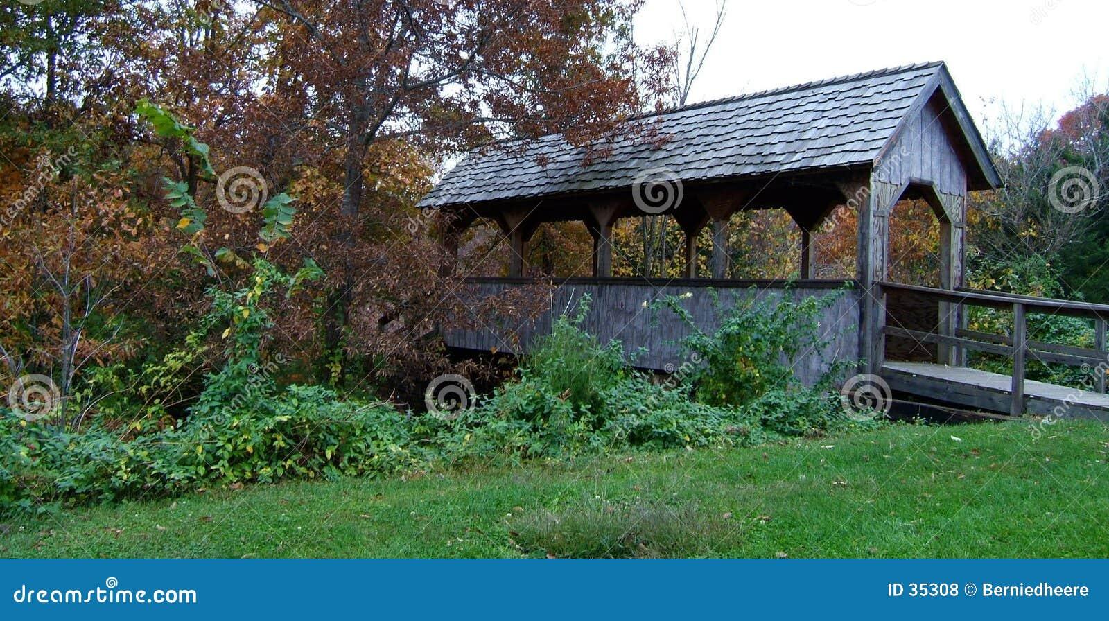 Download Puente Cubierto En Marshall Foto de archivo - Imagen de otoño, wooden: 35308