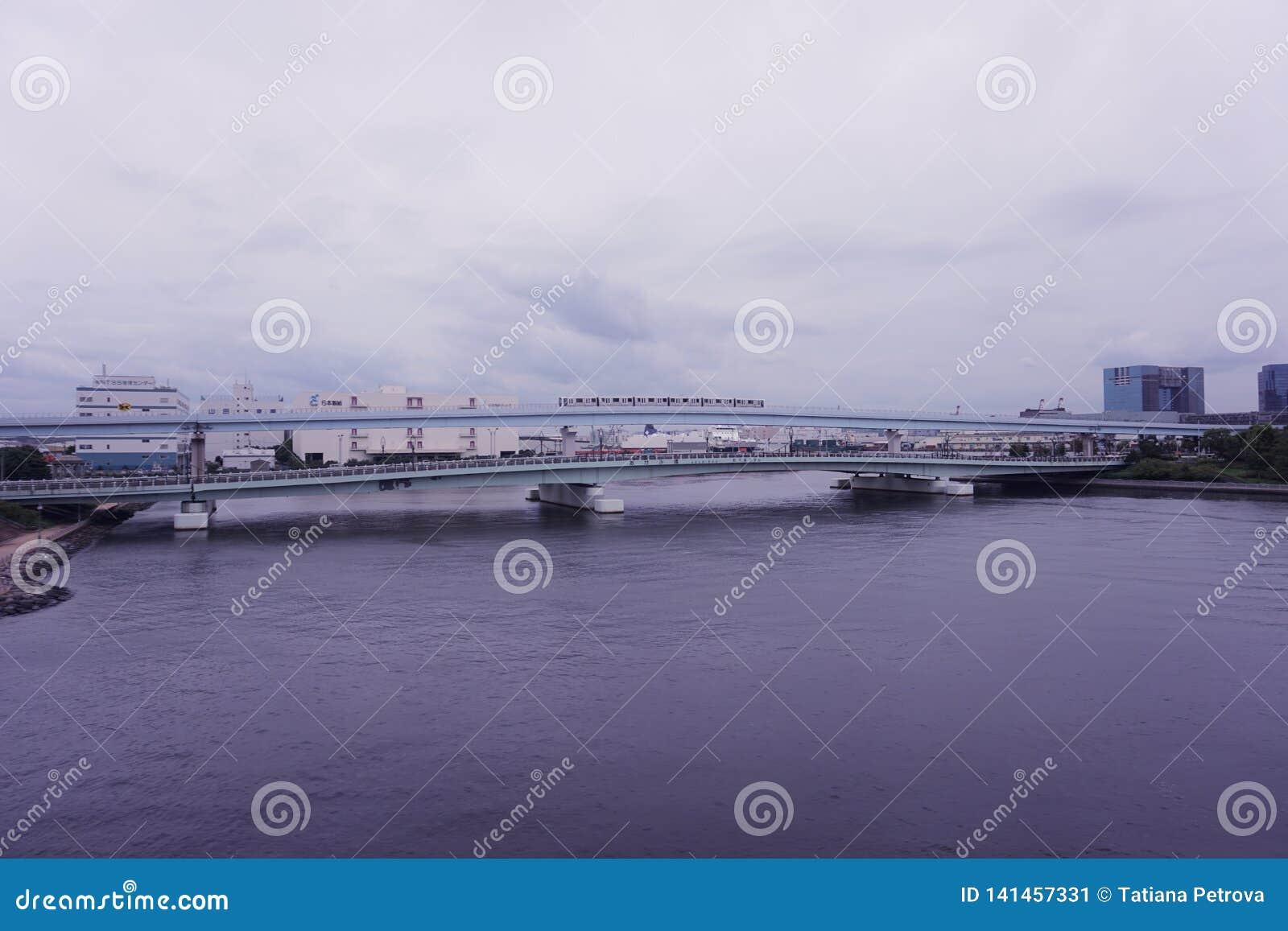 Puente de Akemi en Odaiba, Tokio Japón