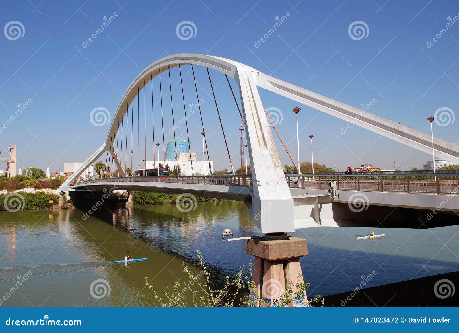 Puente de Barqueta en Sevilla