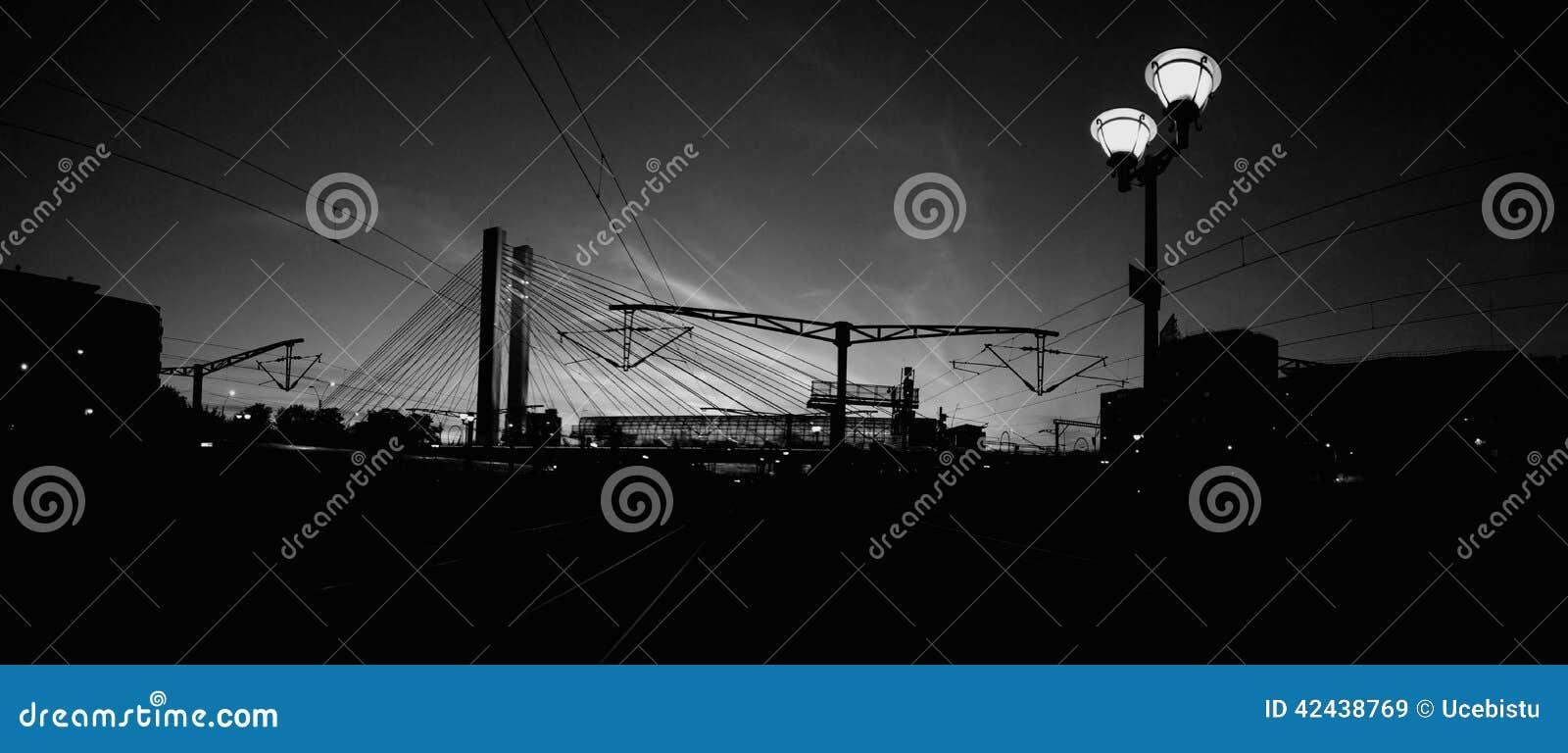 Puente de Basarab en noche