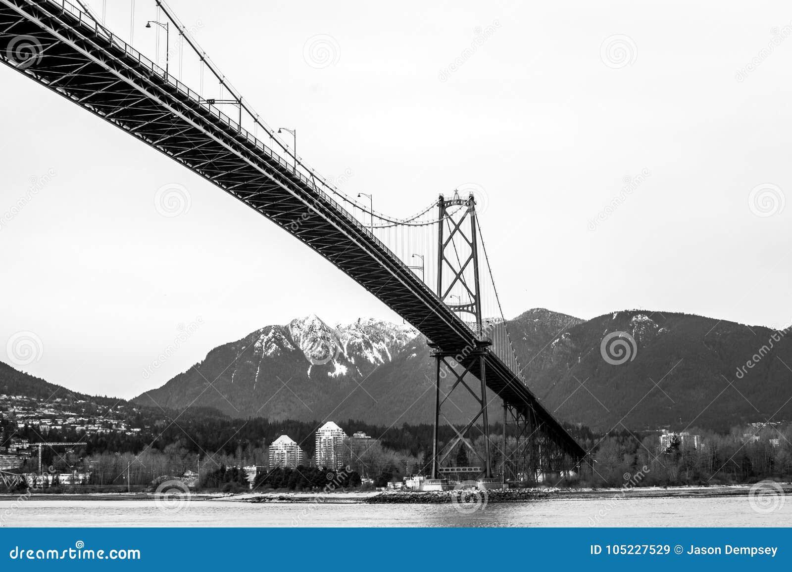 Puente de la puerta de los leones, Vancouver, a