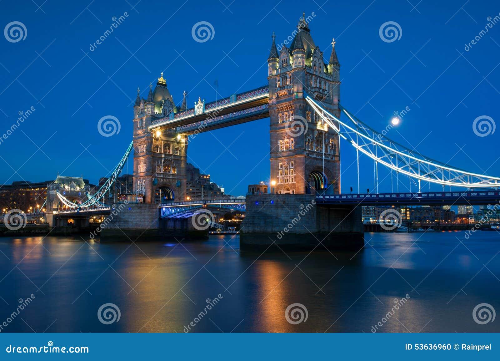 Puente de la torre en el río Támesis en Londres, Inglaterra