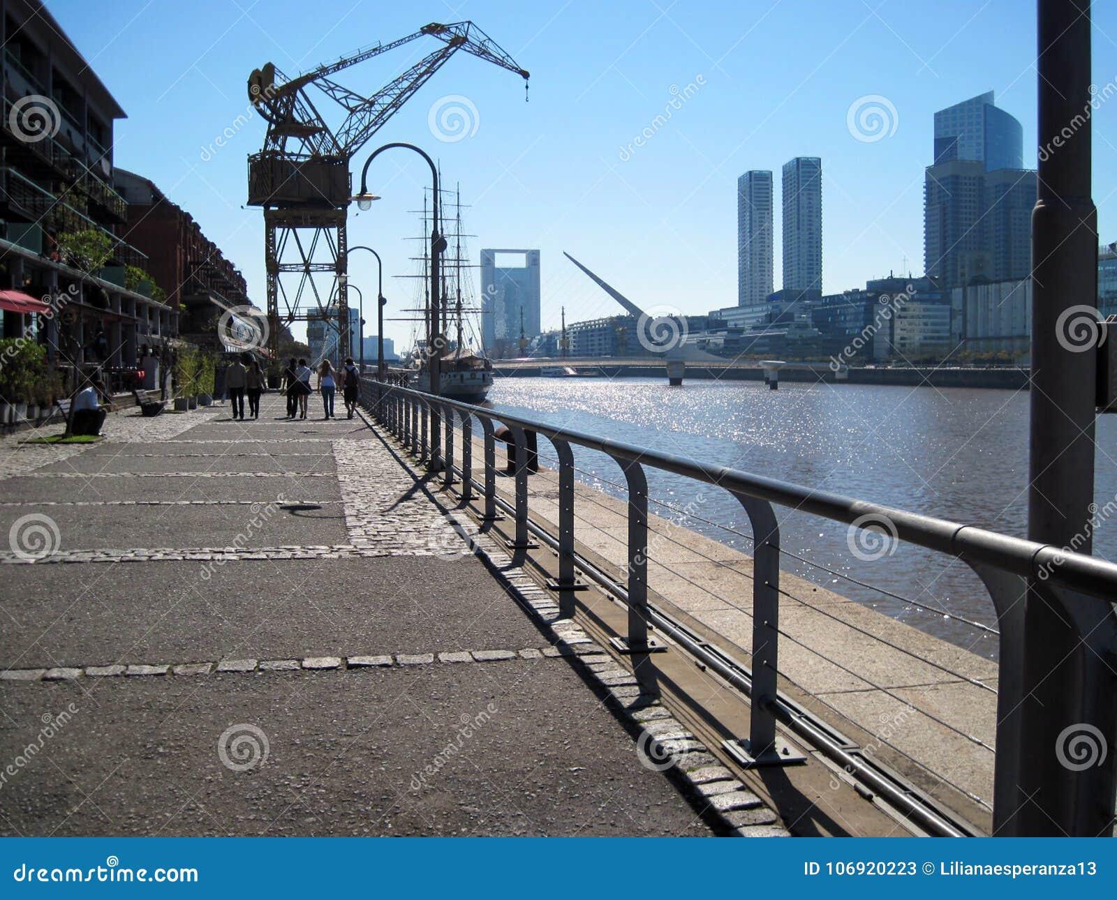 Puente De Los angeles Mujer Puerto Madero Buenos Aires Argentyna
