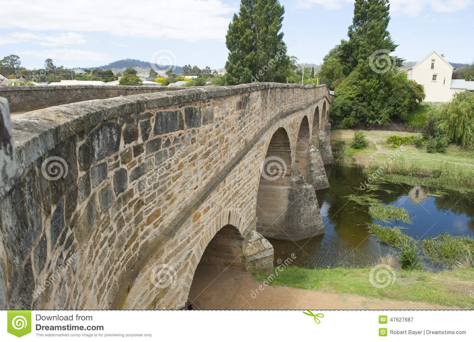 Puente de piedra de la herencia en Richmond, Tasmania