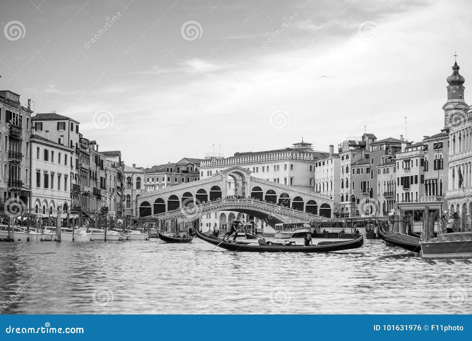 c7b832368 Puente De Rialto En Venecia