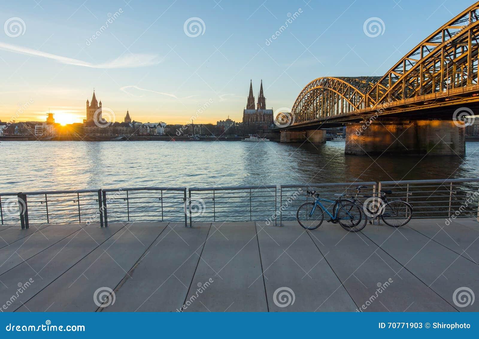 Puente y los Dom de Colonia