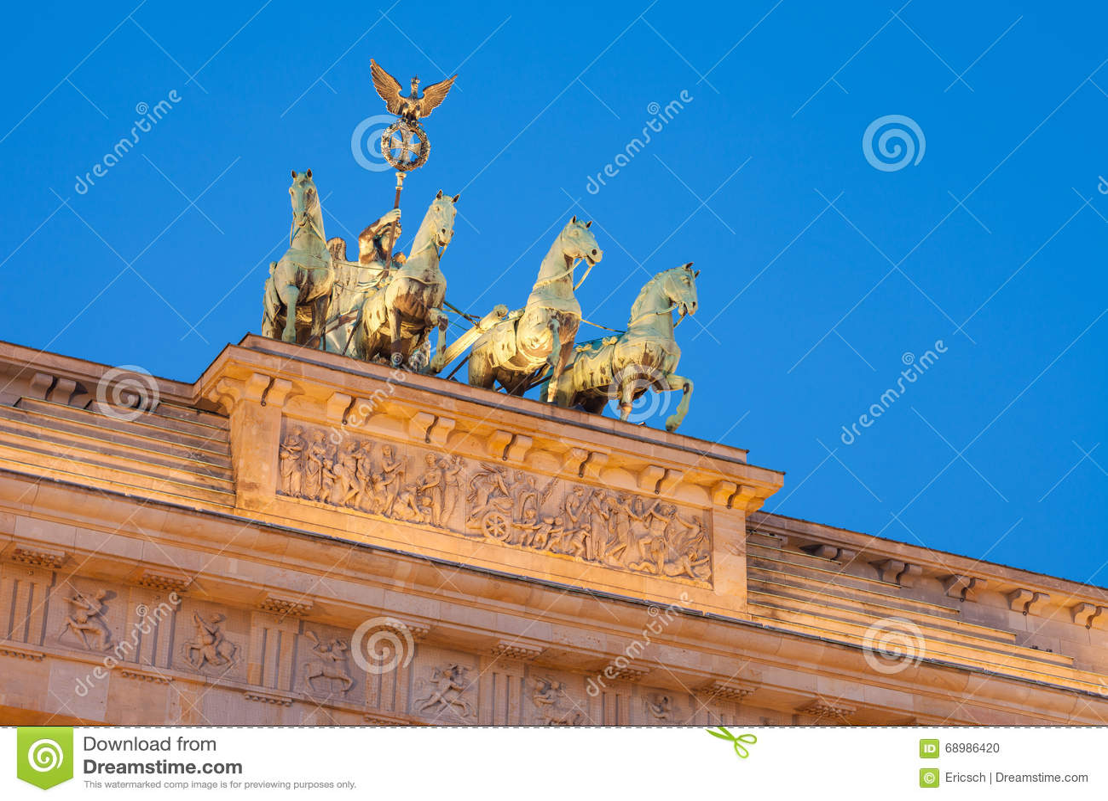 Puerta de Brandeburgo (Tor de Brandenburger)