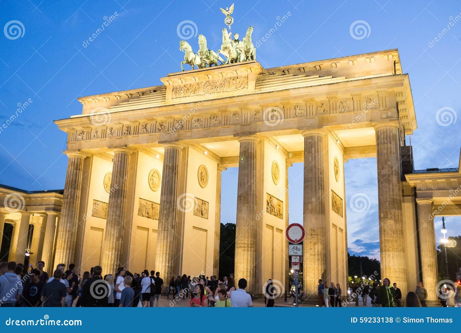 Download Puerta de Brandenburgo foto de archivo editorial. Imagen de alemania - 59233138