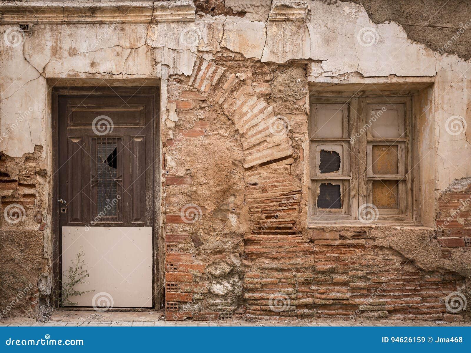 Restaurar ventanas de madera antiguas good restaurar for Como restaurar puertas de madera antiguas