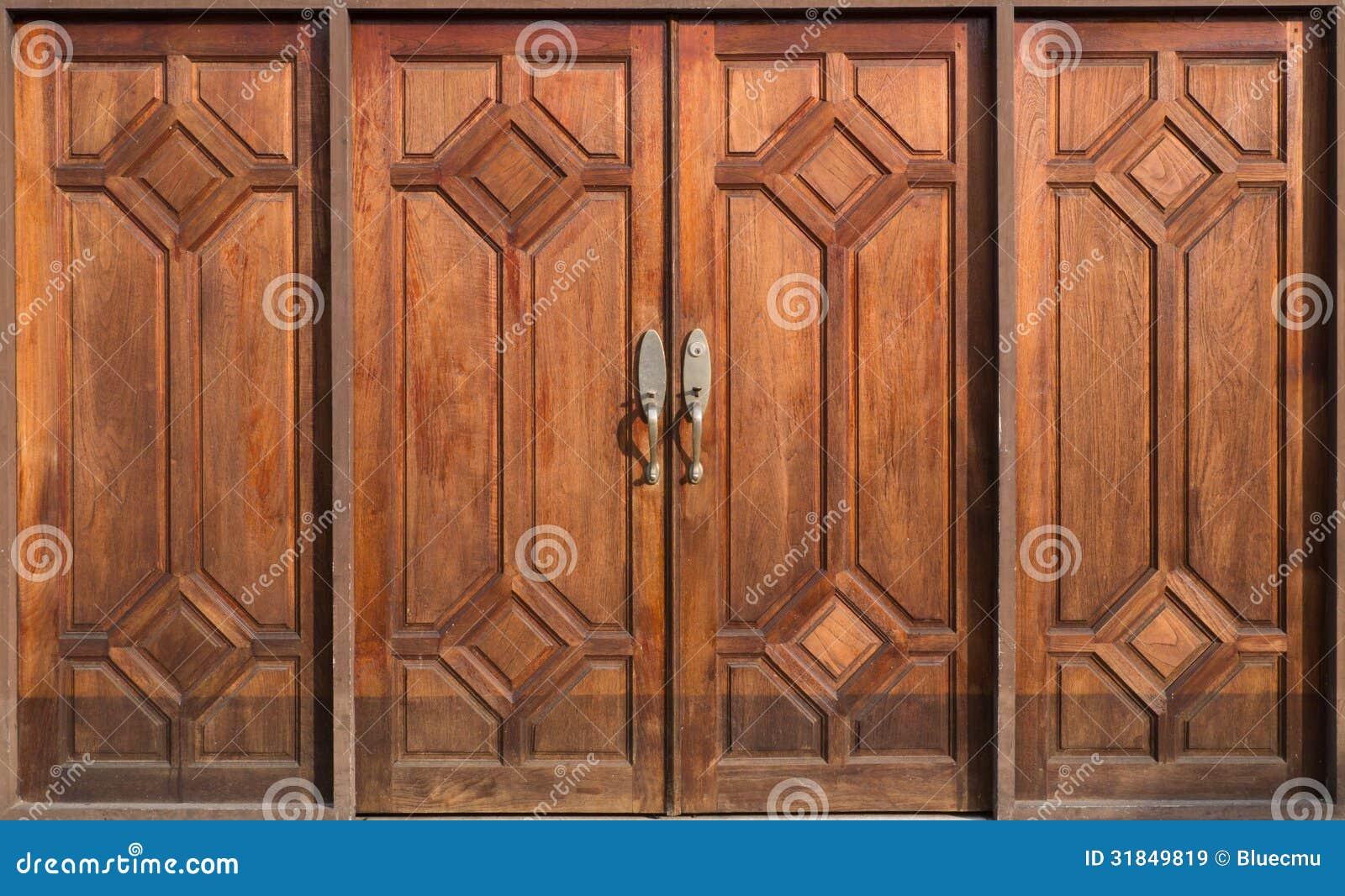 Puerta de madera vieja im genes de archivo libres de for Puerta vieja madera