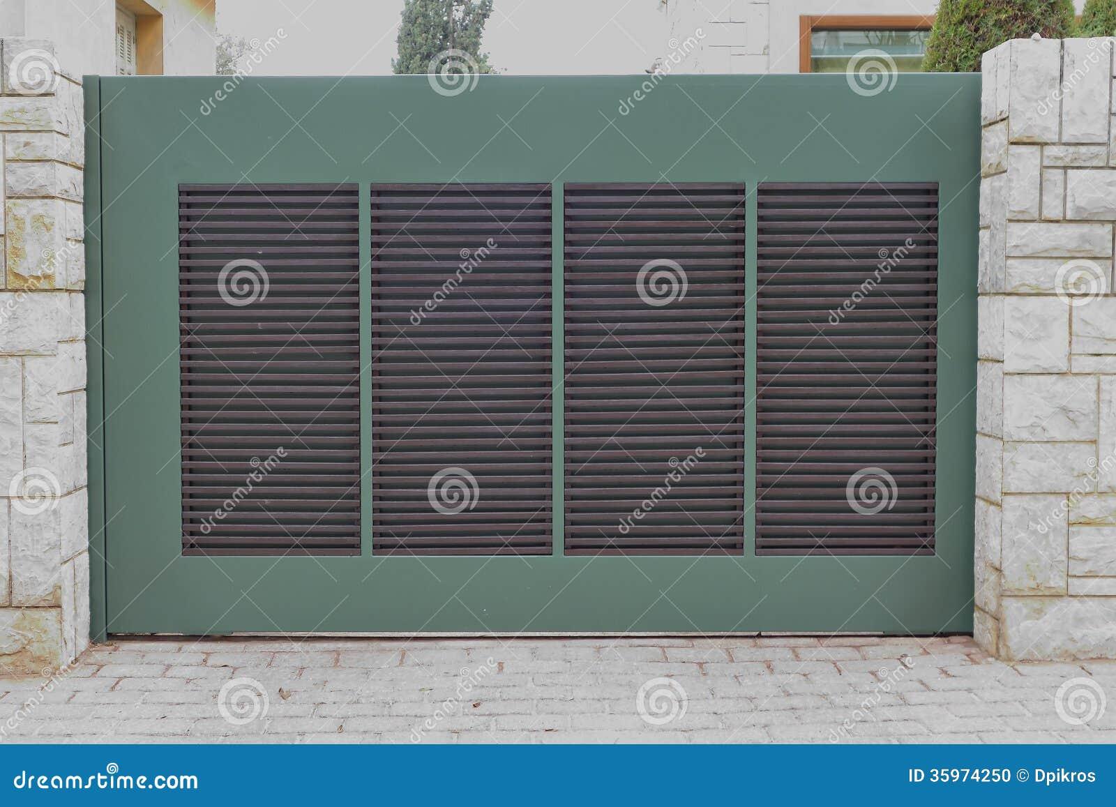 Puerta del garaje, Atenas Grecia