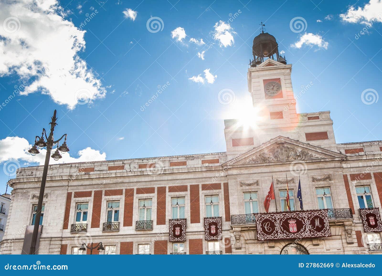 Puerta del sol royalty free stock images image 27862669 for Casa de correos madrid
