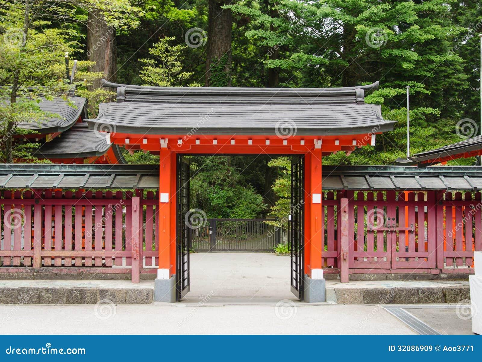 puerta japonesa del templo im genes de archivo libres de
