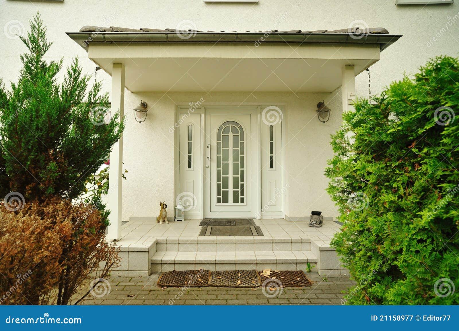 Puerta Principal De La Casa Imagen De Archivo Imagen