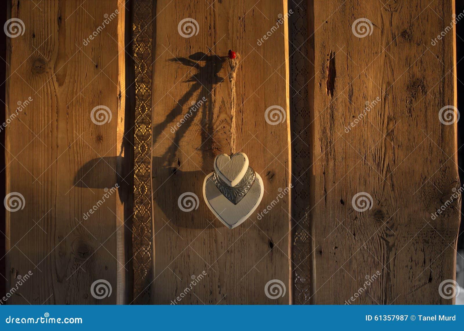 Puerta vieja de madera del tablón