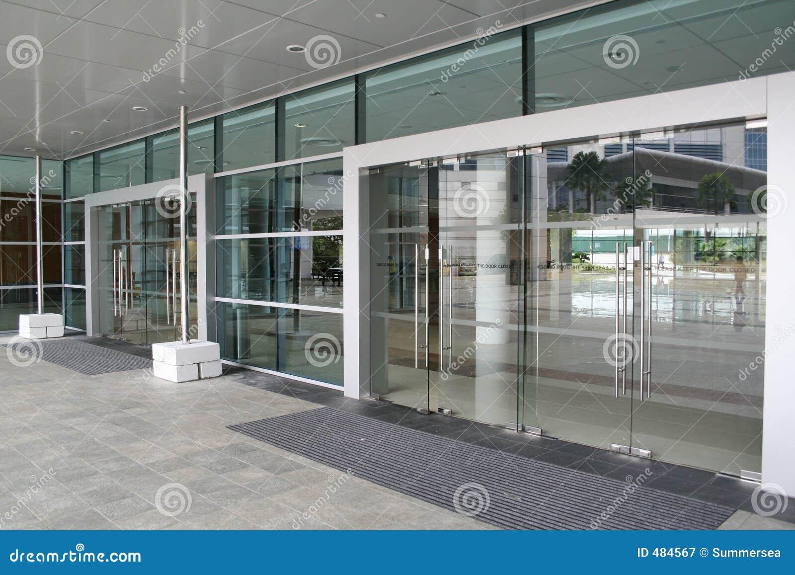 Puertas de cristal fotograf a de archivo libre de regal as - Puertas deslizantes de cristal ...