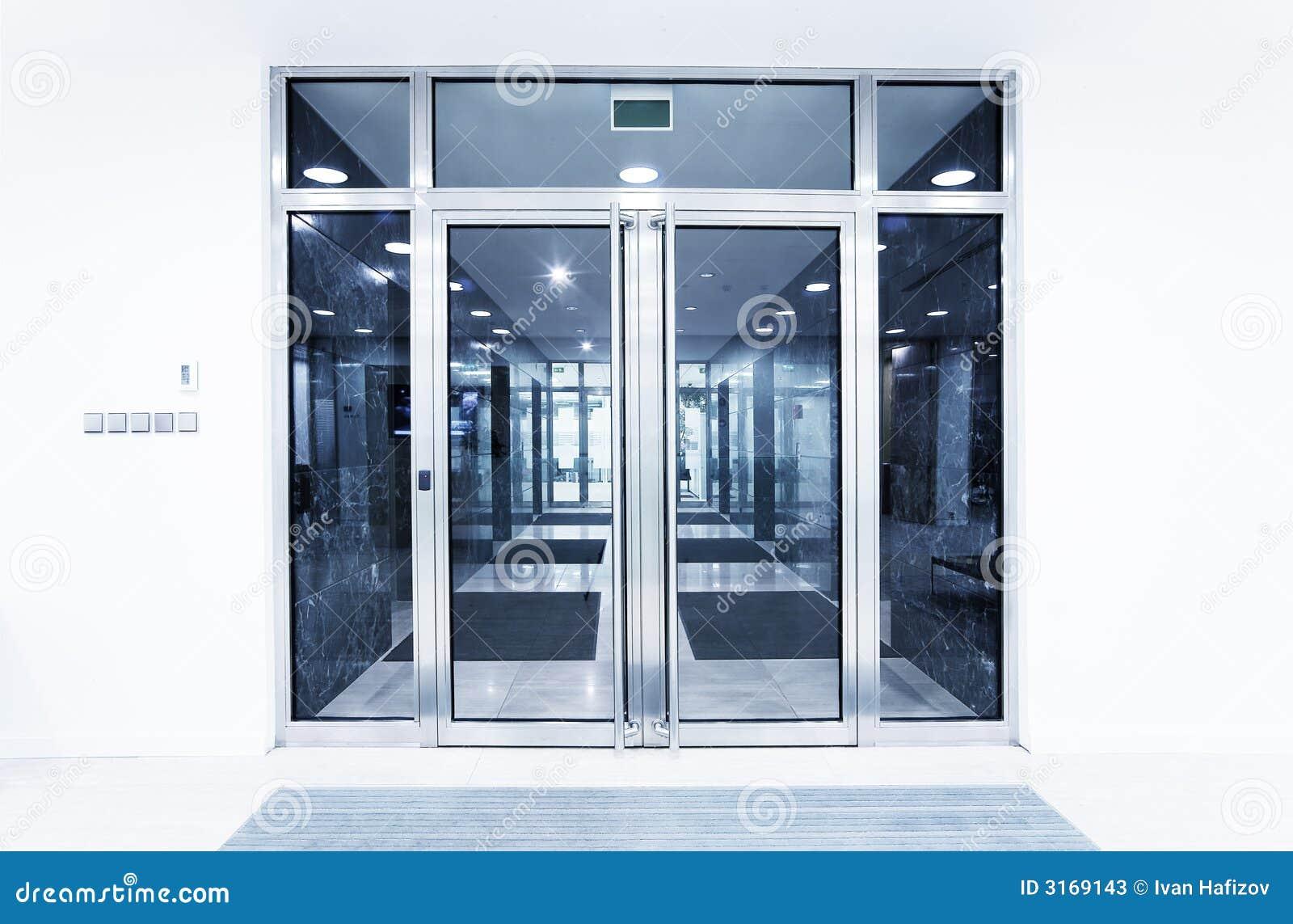 Puertas de cristal en una oficina imagen de archivo for Puertas para oficina