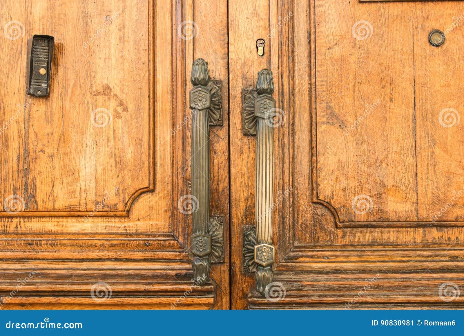 cierres para puertas de madera