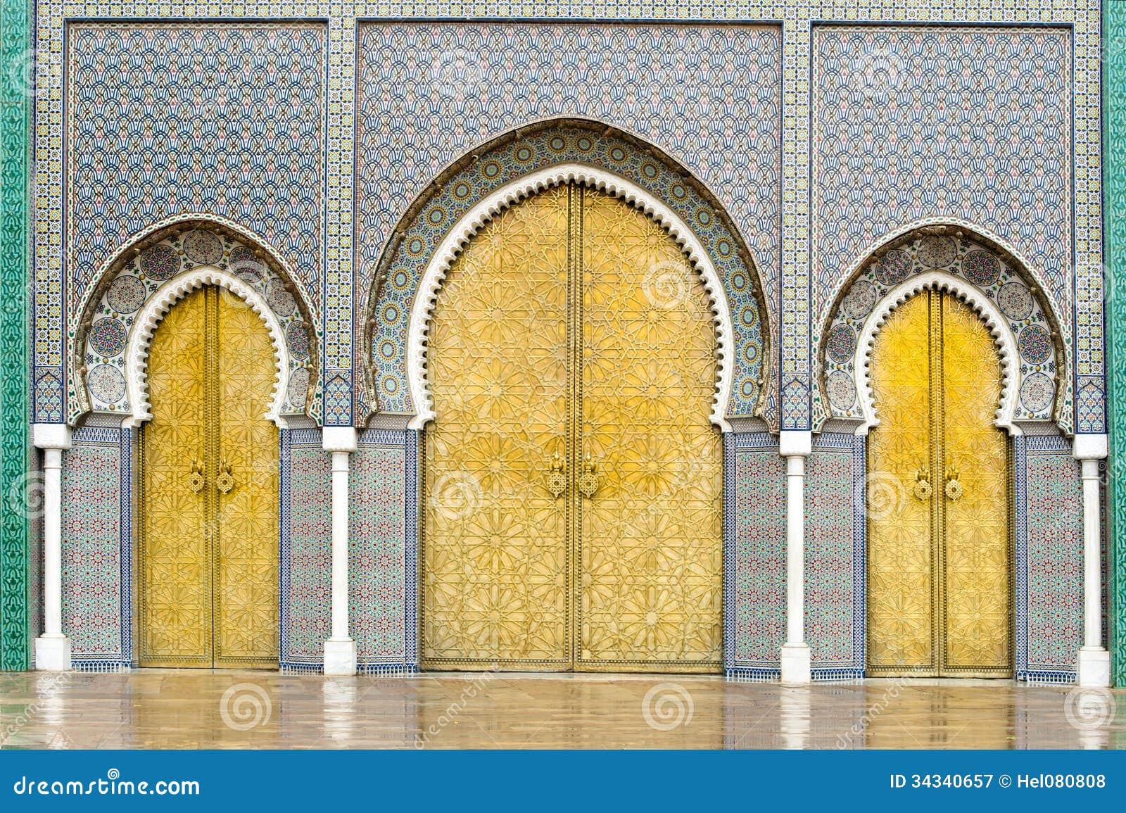 Puertas de Royal Palace en Fes, Marruecos