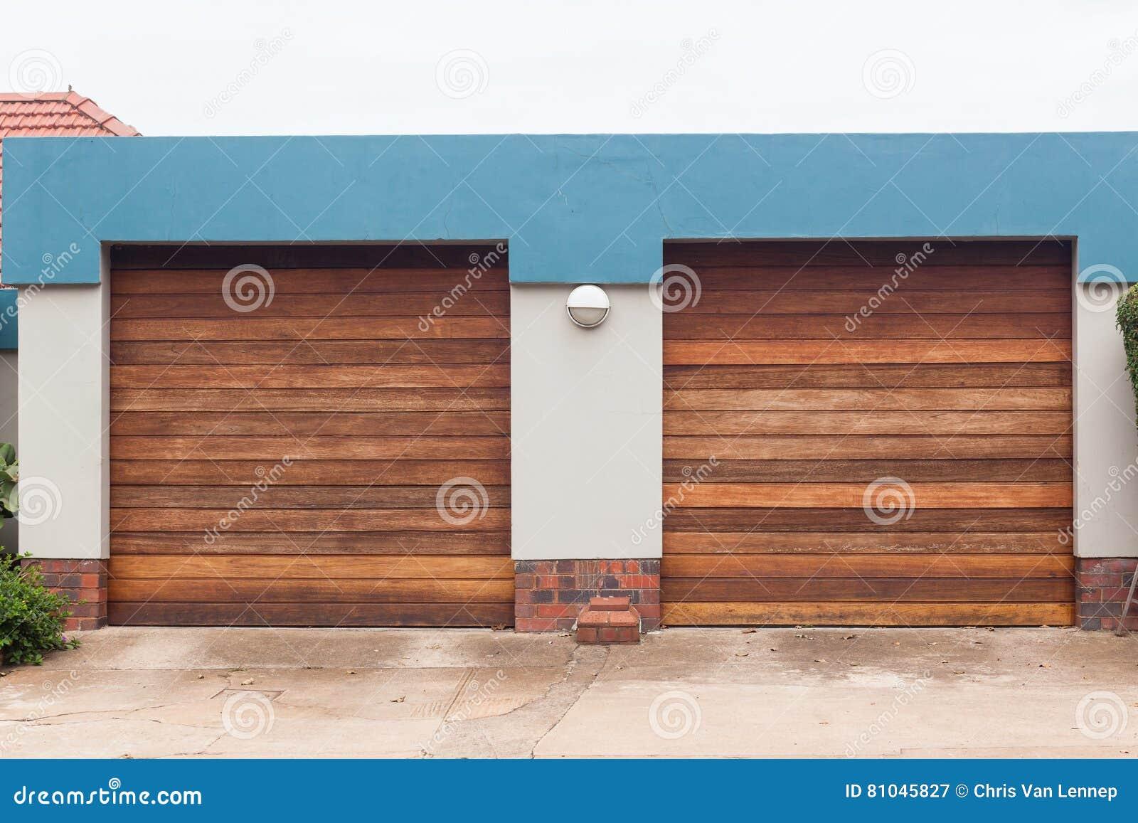 Puertas del garaje dos